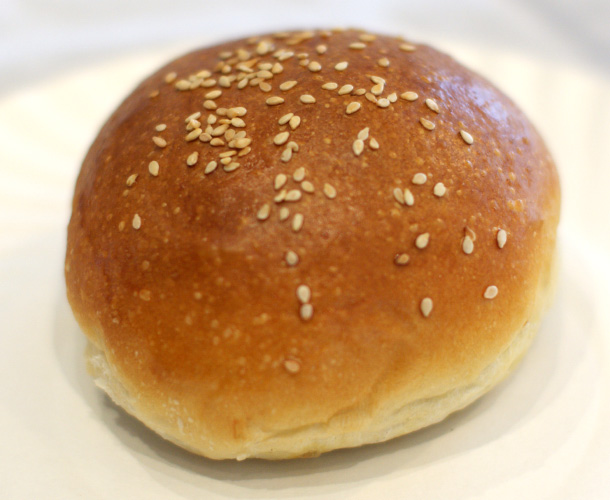 The bread is most important part of hamburger. Our burger bun is definitely best in China